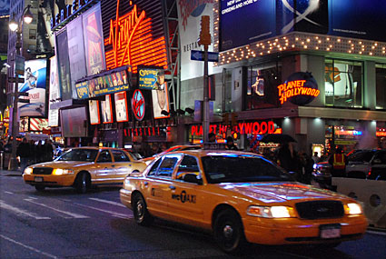 Taxi New York >> Times Square photos - neon signs, taxi cabs and billboards ...