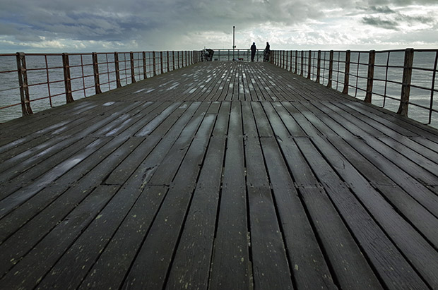 Bognor Regis photographs - photos of the pier, beach, coastline, shios, and seafront, Bognor, West Sussex, England UK