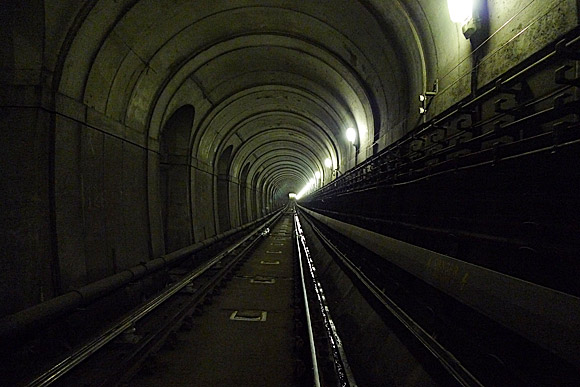 A walk through the Thames Tunnel, London