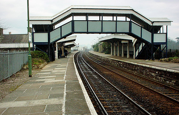 St Erth railway station, Cornwall  on the Great Western main line to Penzance  - photos and history