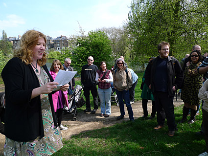 Hampstead Heath walk past Hampstead Ponds, Pergola, Hill Garden and Jack Straw's Castle, north London, England  - photos, feature and comment